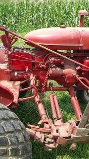 Farmall 140 hydraulic arm for sickle doesn't raise fully - Farmall Cub